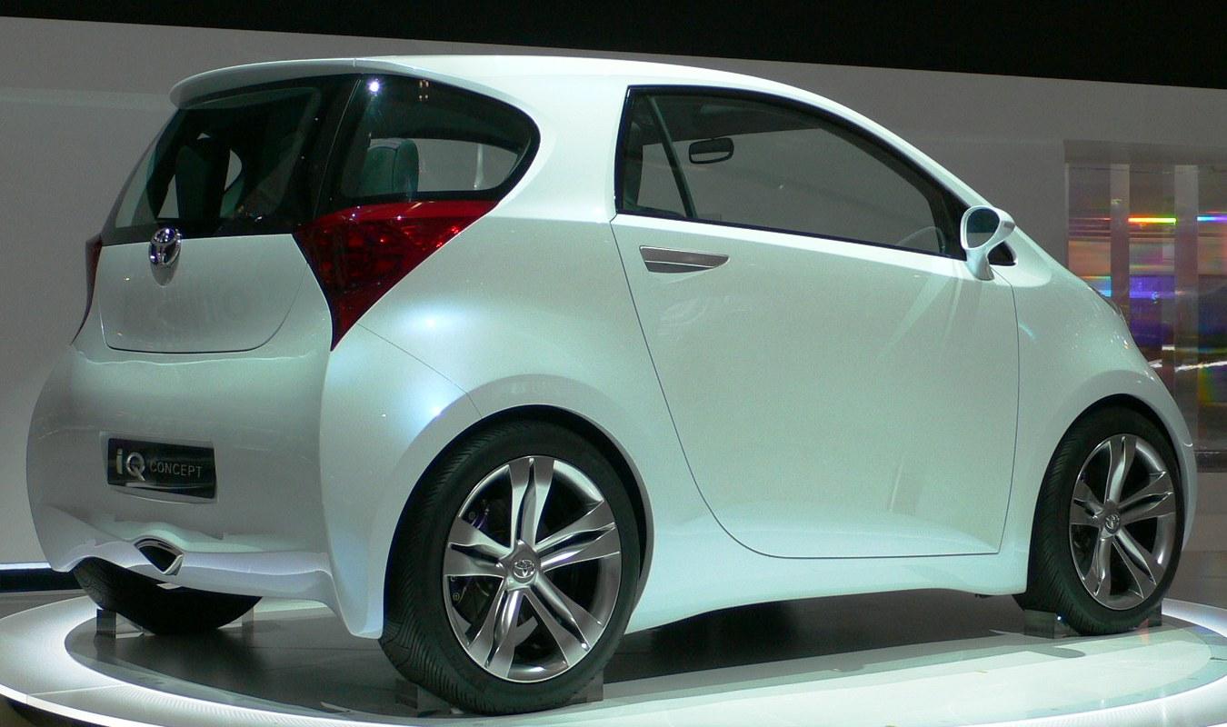 File2007 Toyota IQ Concept 02
