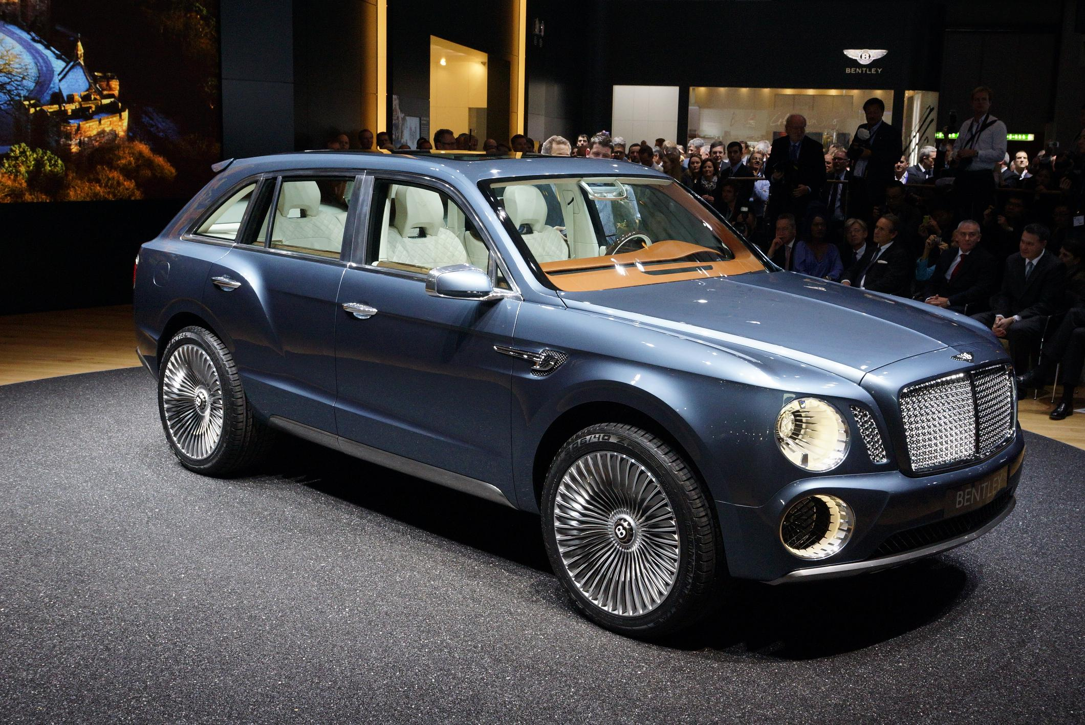 File:2012 Geneva Motor Show - Bentley EXP 9F (6849198218).jpg ...