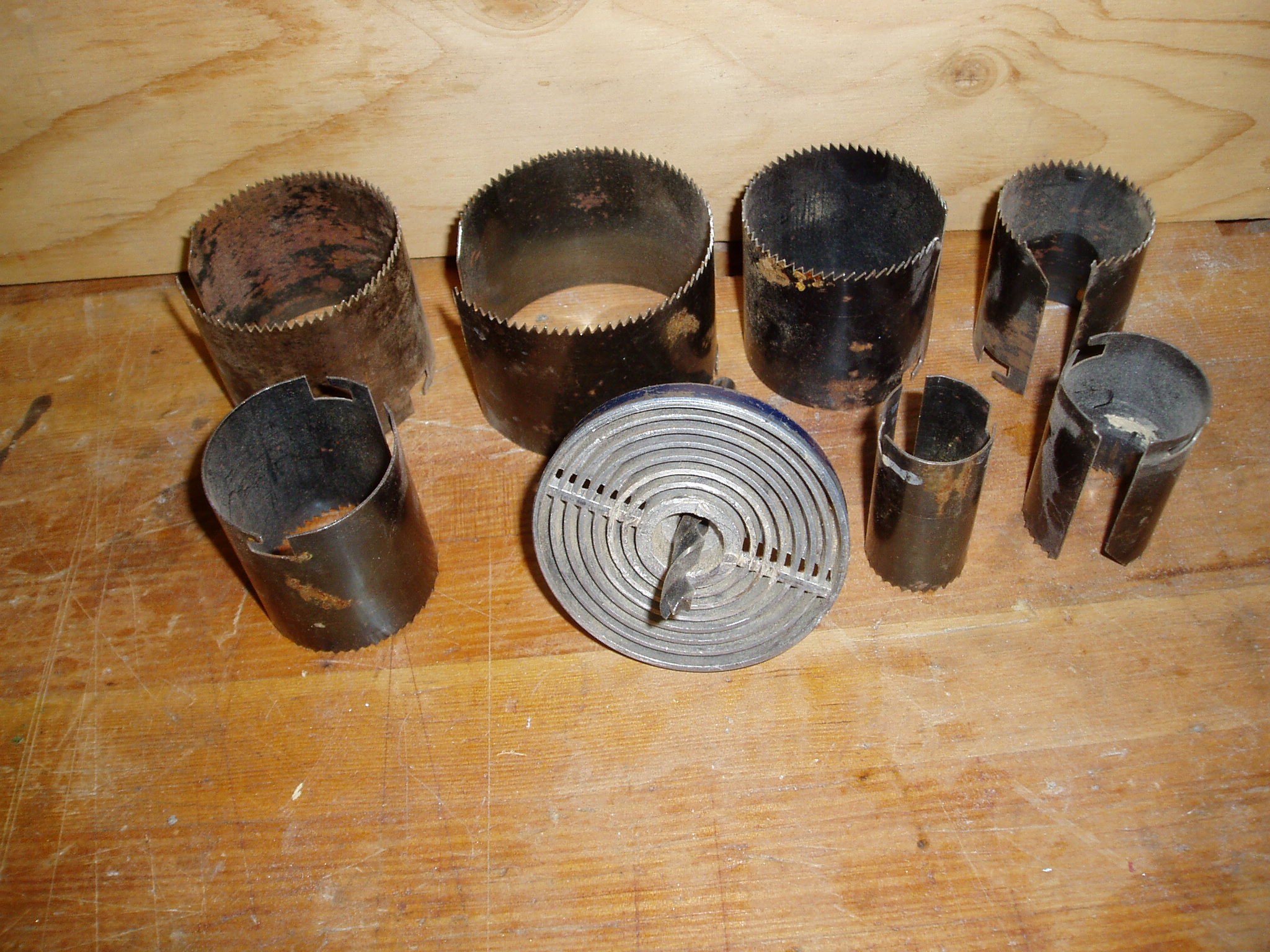 File:Adjustable hole saw.JPG - Wikimedia Commons