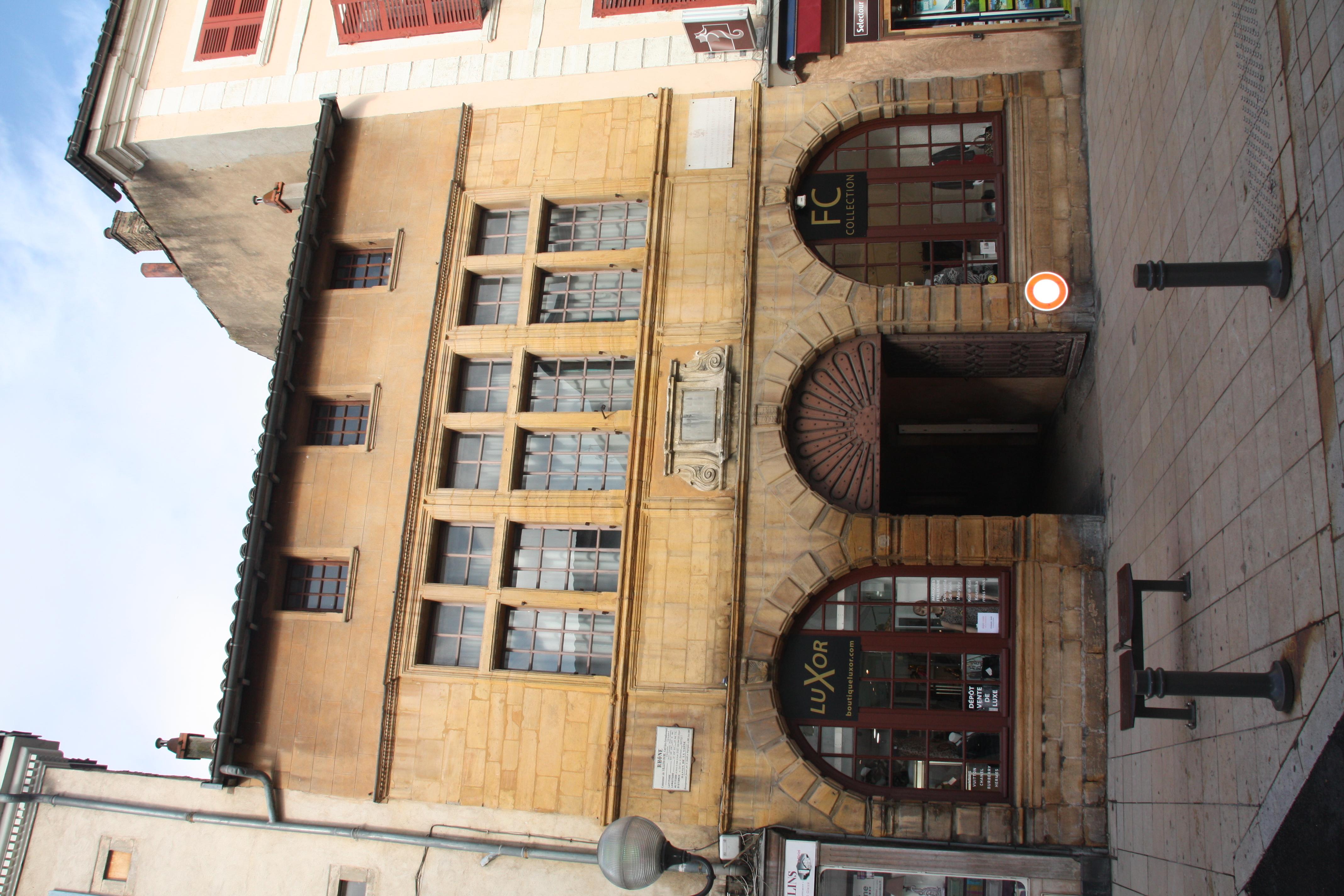 File ancien h tel de ville de villefranche sur sa ne jpg - Piscine de villefranche sur saone ...