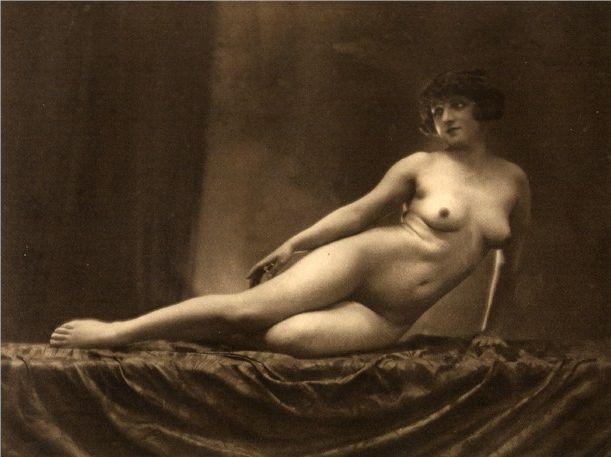 Teen Nude Art Deco 70