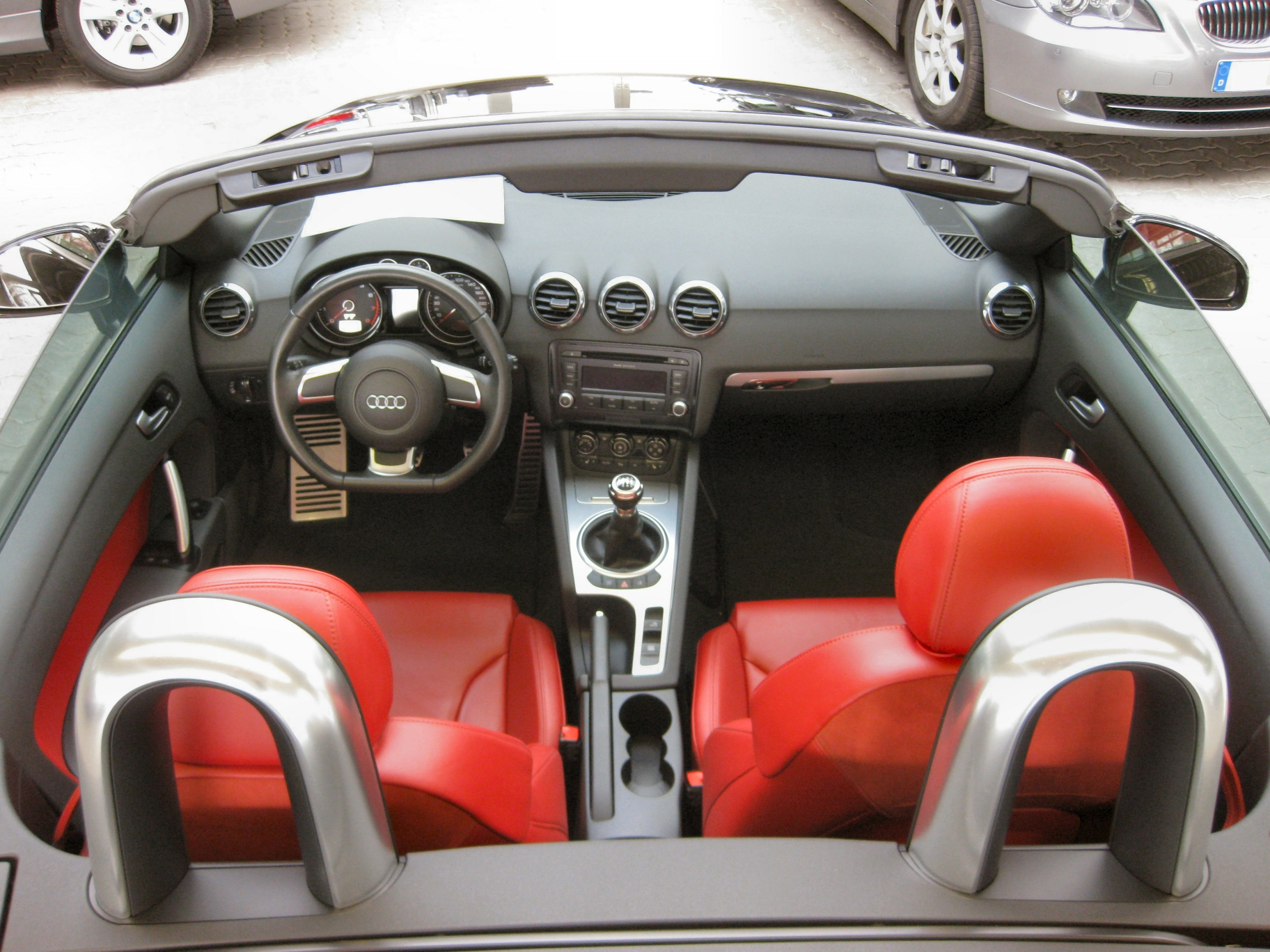 File audi tt roadster interieur jpg wikimedia commons for Interieur audi tt
