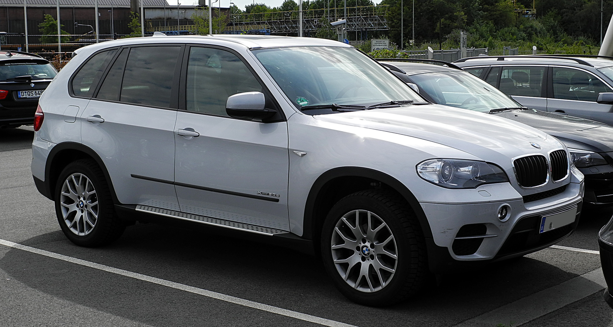 File:BMW X5 xDrive30d (E70, Facelift) – Frontansicht, 2 ...