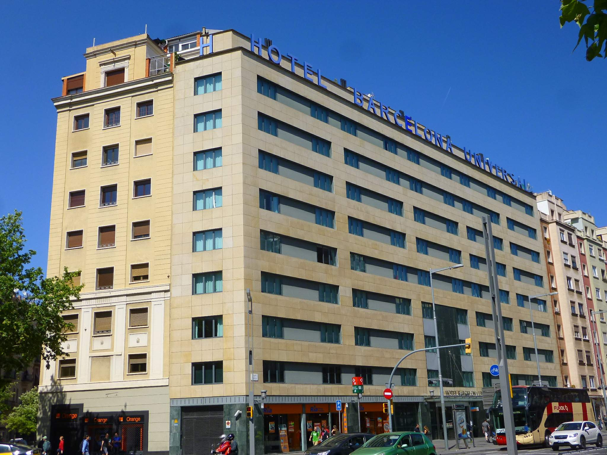 Barcelona Universal Hotel Reviews