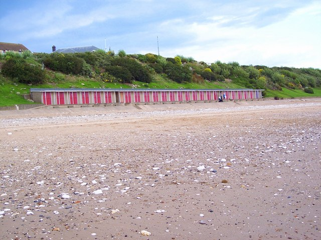 Beach Huts, North Sands, Bridlington - geograph.org.uk - 506629
