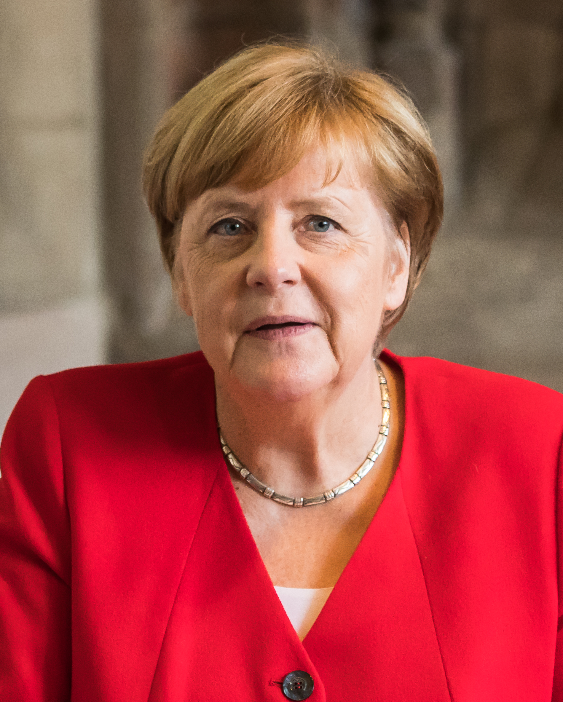 The 66-year old daughter of father Horst Kasner and mother Herlind Kasner Angela Merkel in 2020 photo. Angela Merkel earned a 1.35 million dollar salary - leaving the net worth at 11.5 million in 2020