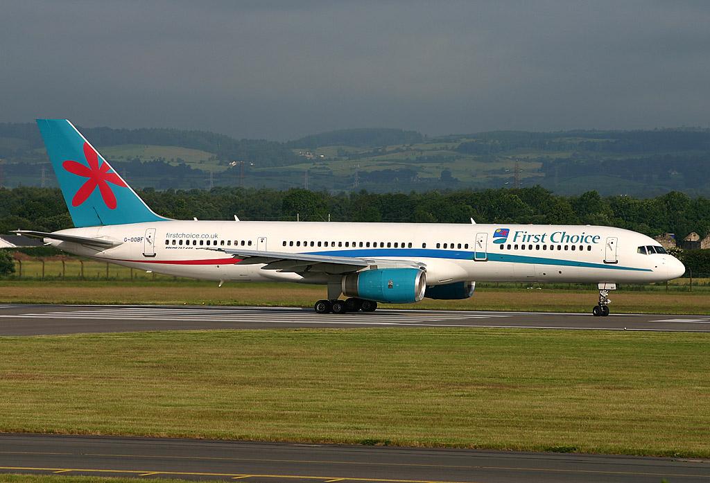 Datei Boeing 757 200 First