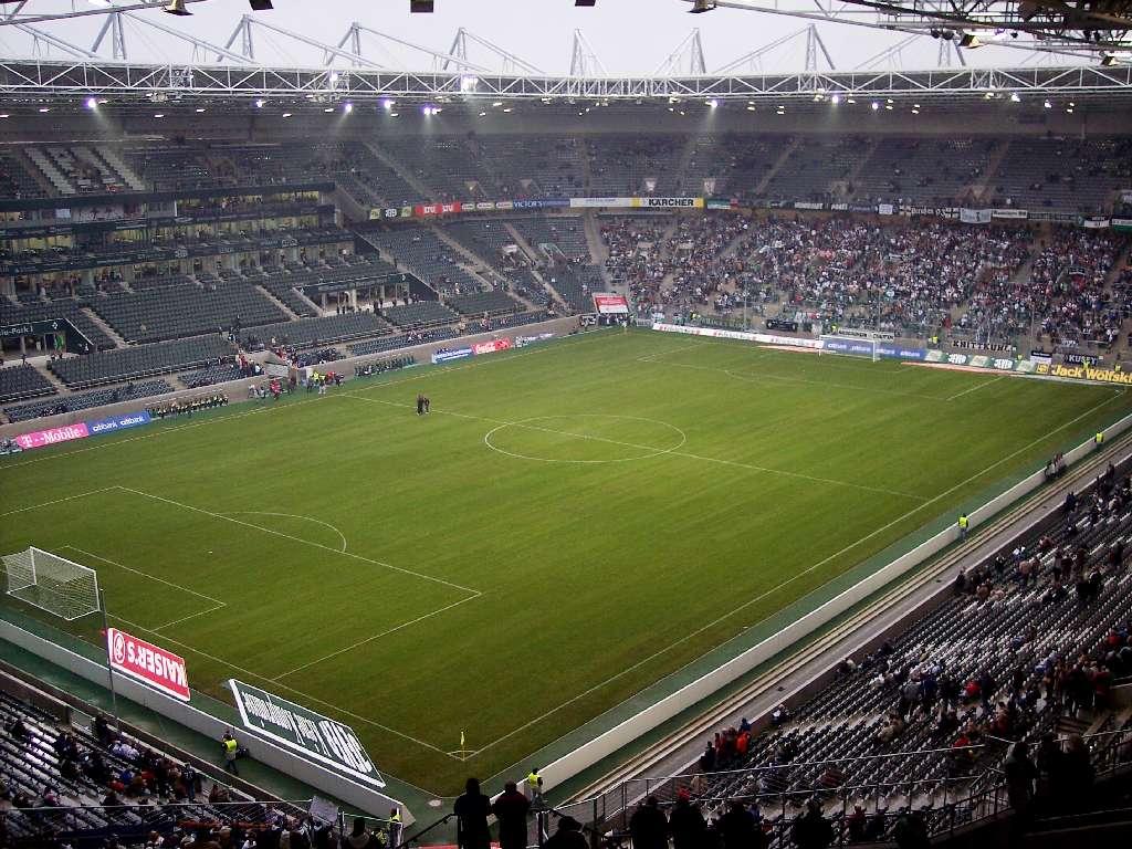 Innenansicht des Stadions im Borussia-Park