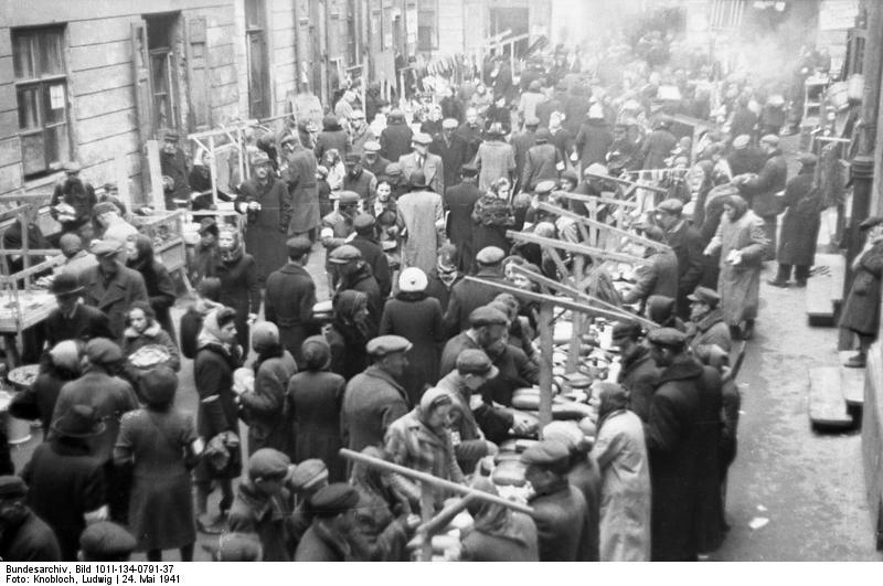 http://upload.wikimedia.org/wikipedia/commons/2/22/Bundesarchiv_Bild_101I-134-0791-37%2C_Polen%2C_Ghetto_Warschau%2C_Markt.jpg