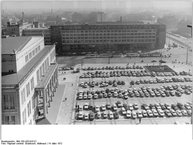 file bundesarchiv bild 183 l0314 0121 leipzig karl marx platz wikimedia commons. Black Bedroom Furniture Sets. Home Design Ideas