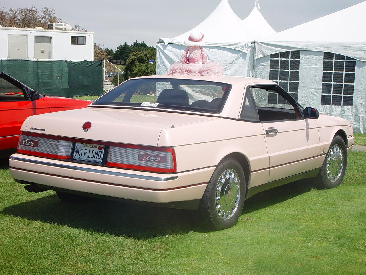 File:Cadillac Allante - Flick - Concorso Italiano 2005.jpg ...