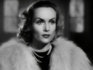 Carole_Lombard_in_Fools_For_Scandal_trai