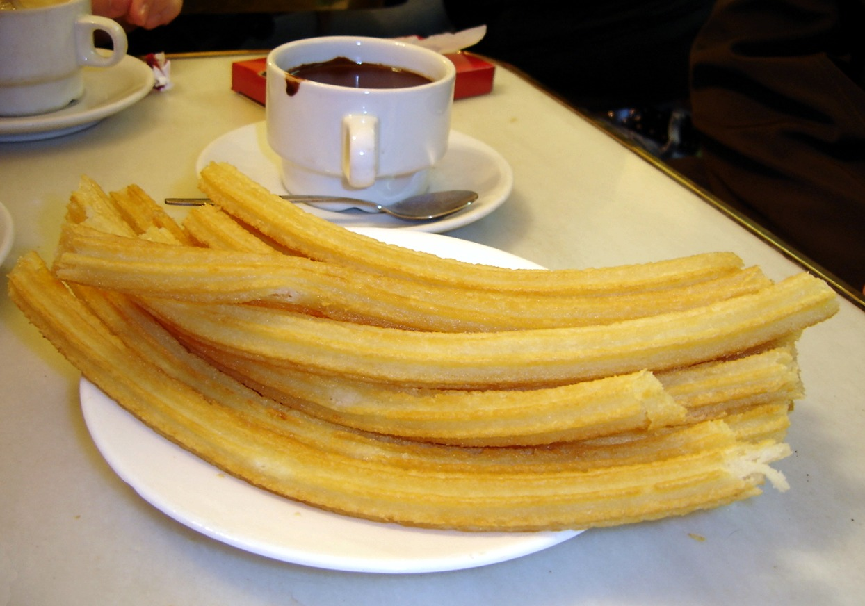 File:Chocolate con churros - San Ginés - Madrid.jpg - Wikimedia ...