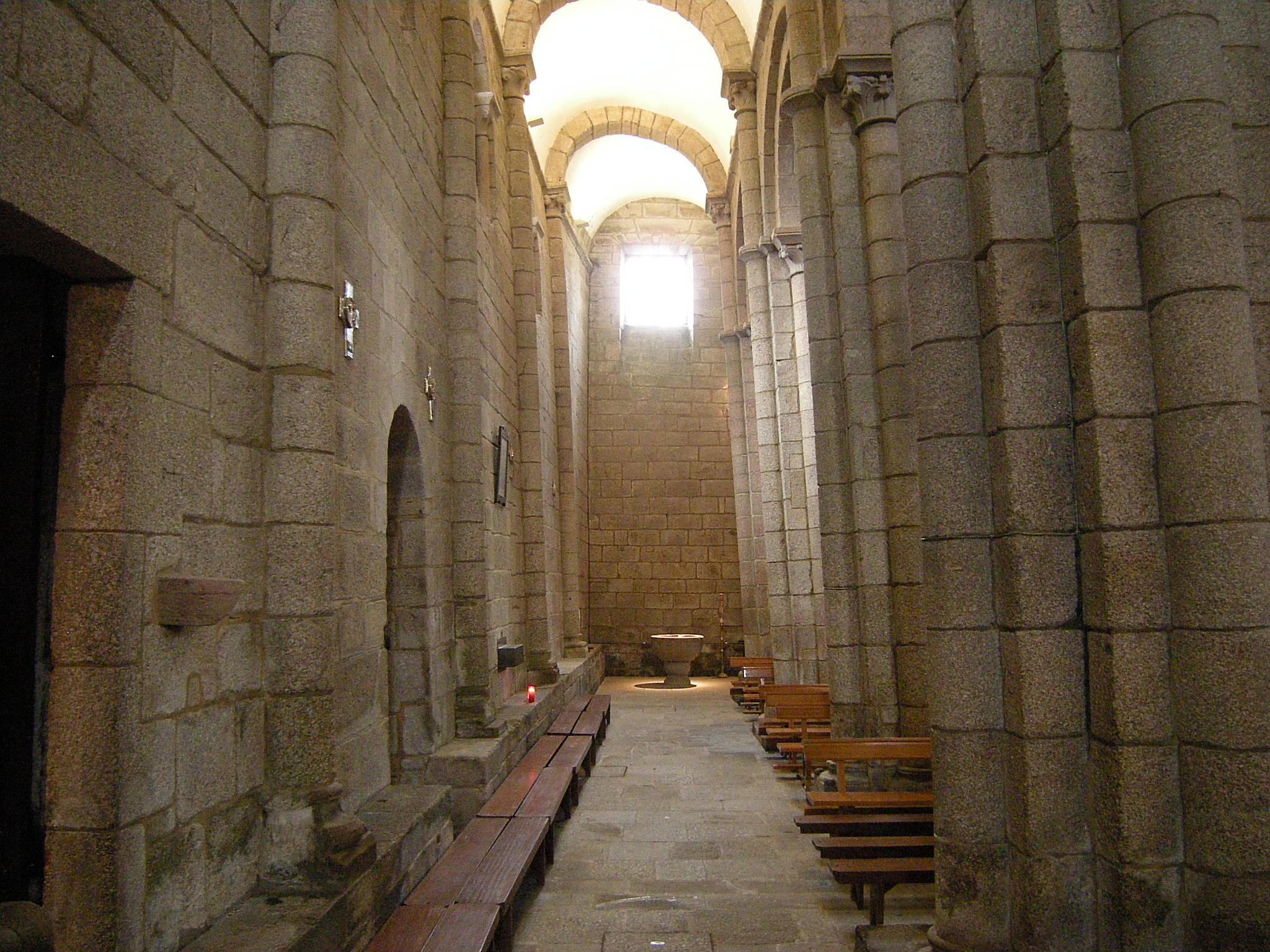 File:Colegiata de Santa Maria de Sar 5.jpg - Wikimedia Commons