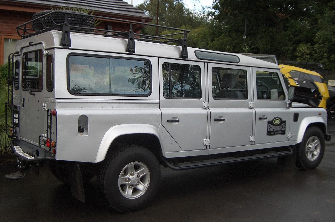 1000 images about land rover defender camping special vehicles on pinterest land rovers. Black Bedroom Furniture Sets. Home Design Ideas