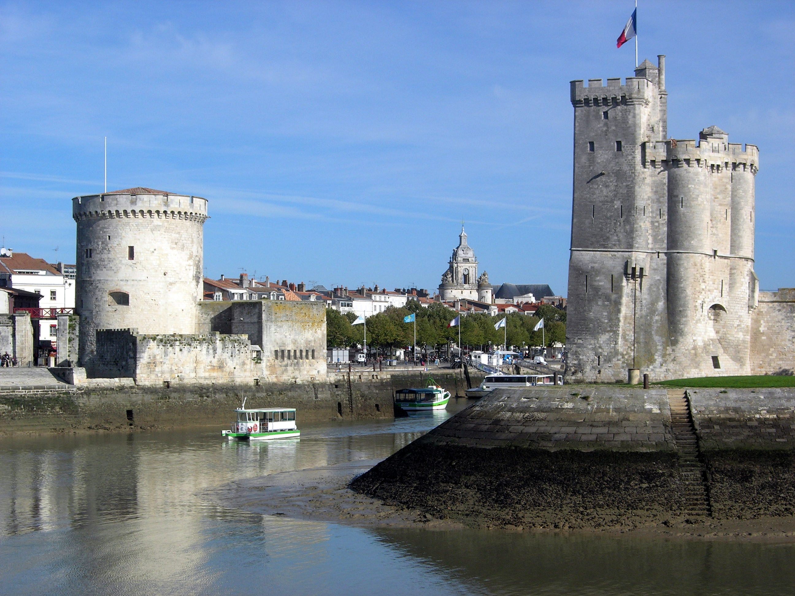 fichier entree vieux port la rochelle jpg wikip dia. Black Bedroom Furniture Sets. Home Design Ideas