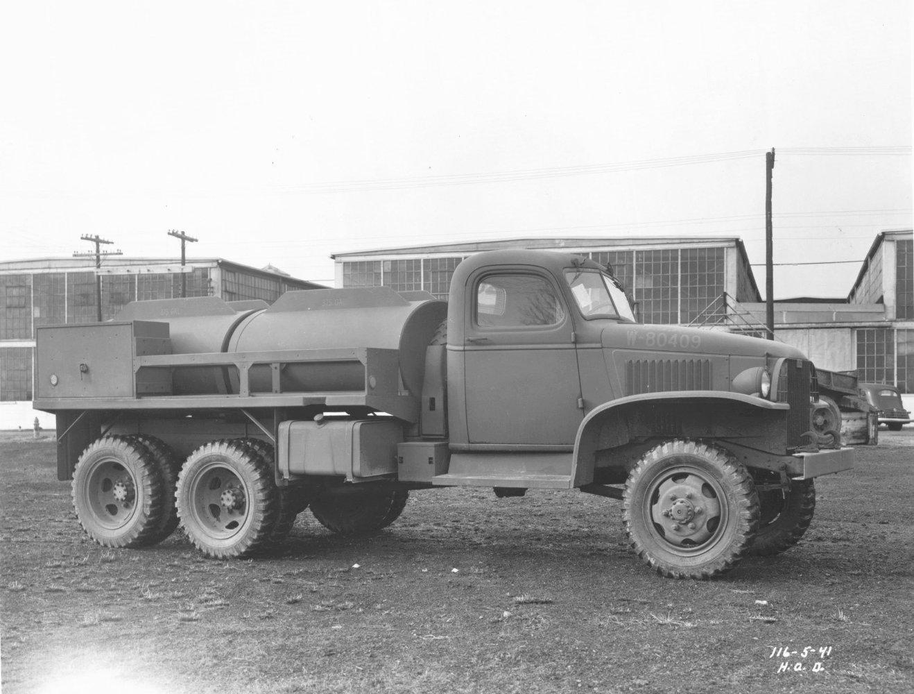 File:GMC CCKW 750 Gal Tanker.jpg - Wikimedia Commons