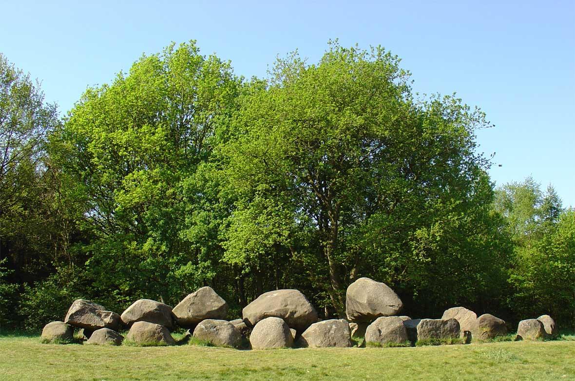 Terrein met de hunebedden D19 en D20 in Drouwen | Monument ...: rijksmonumenten.nl/monument/464145/terrein+met+de+hunebedden+d19+en...