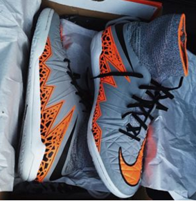 b7706aa65 A pair of HypervenomX Proximo Indoor (IC)