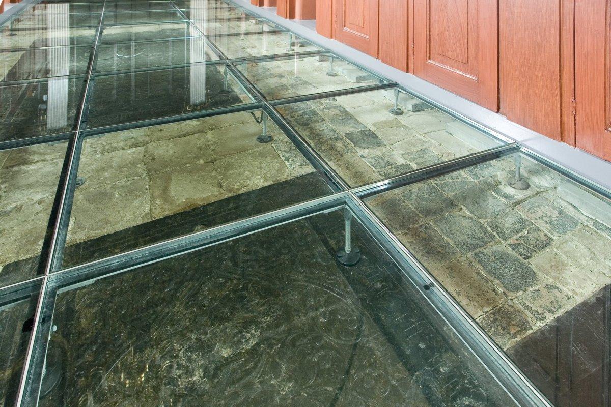 file interieur zicht op de constructie van de vloer met