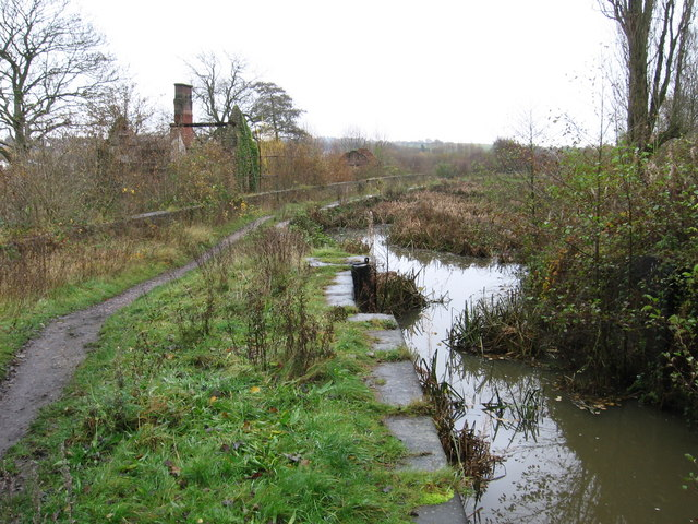Ironville - Codnor Park Lock (view east) - geograph.org.uk - 1044908