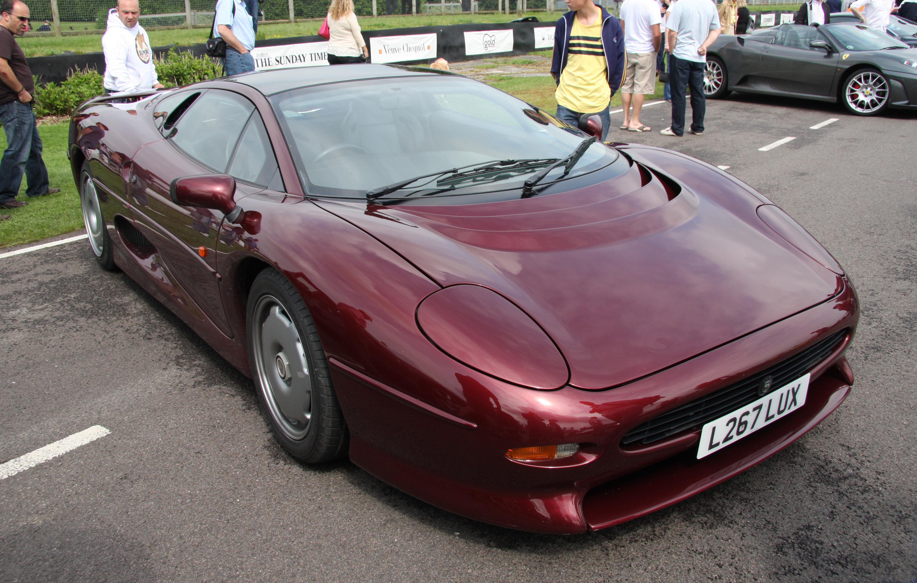 File:Jaguar XJ 220   Flickr   Exfordy (2)
