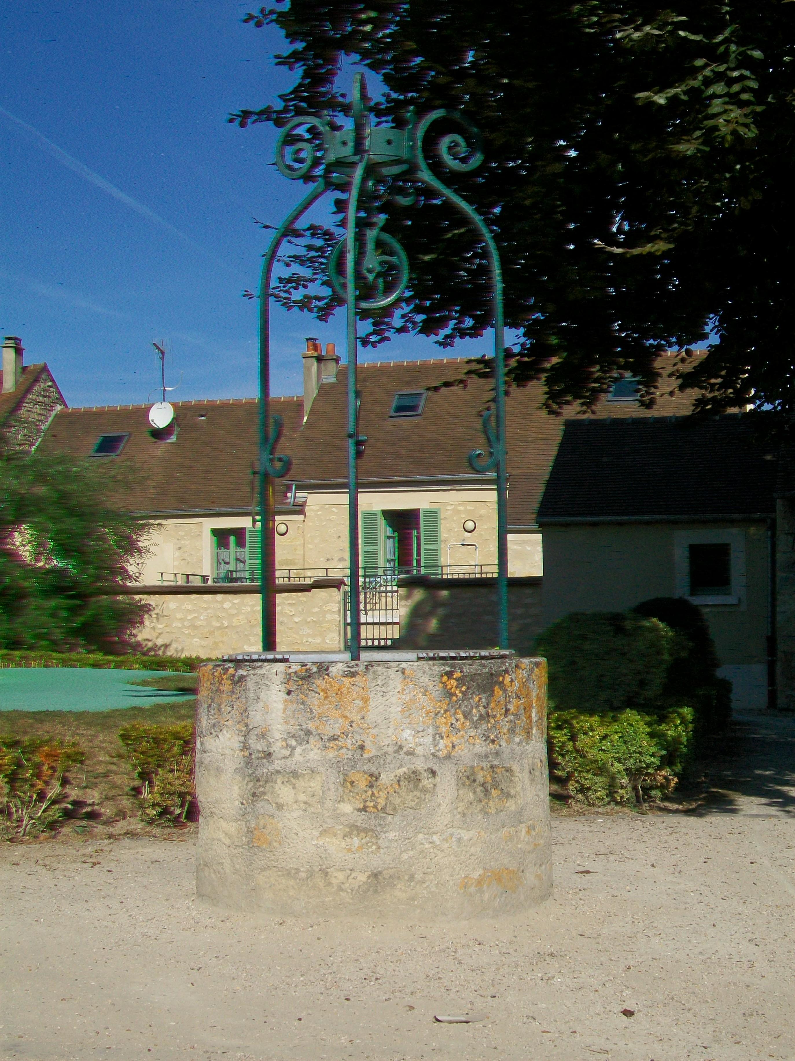 Fichier jouy le moutier 95 vieux puits au jardin for Jardin 95