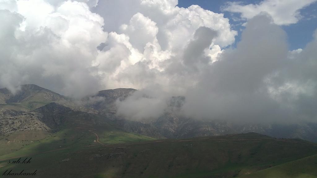 ابرهای کوهستانی در خان کندی