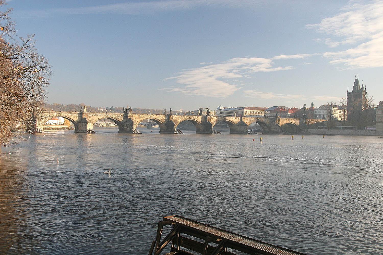 Αποτέλεσμα εικόνας για – Δείτε τη γέφυρα του Καρόλου