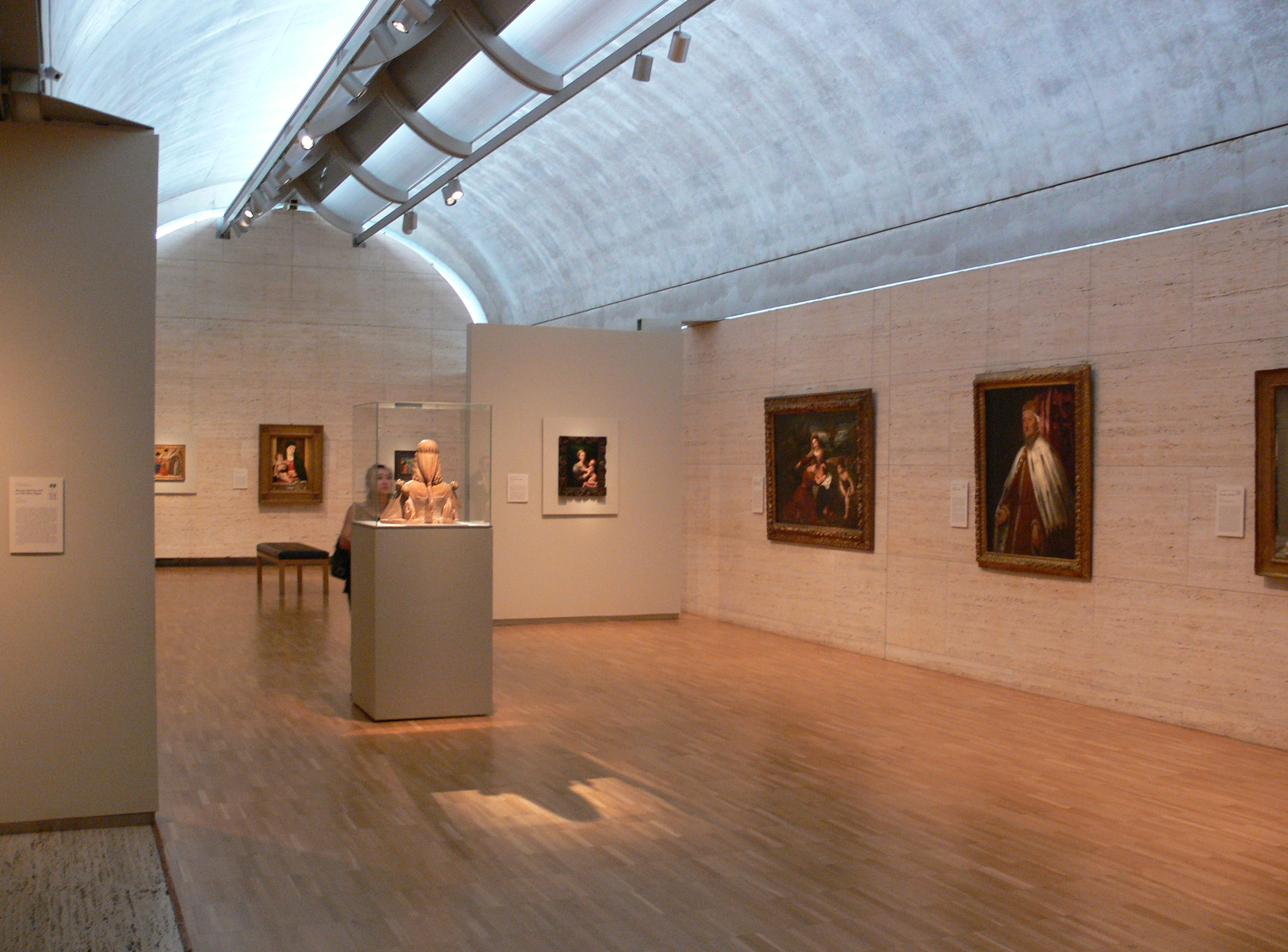 Kimbell_Art_Museum_Fort_Worth_galleries_1.jpg