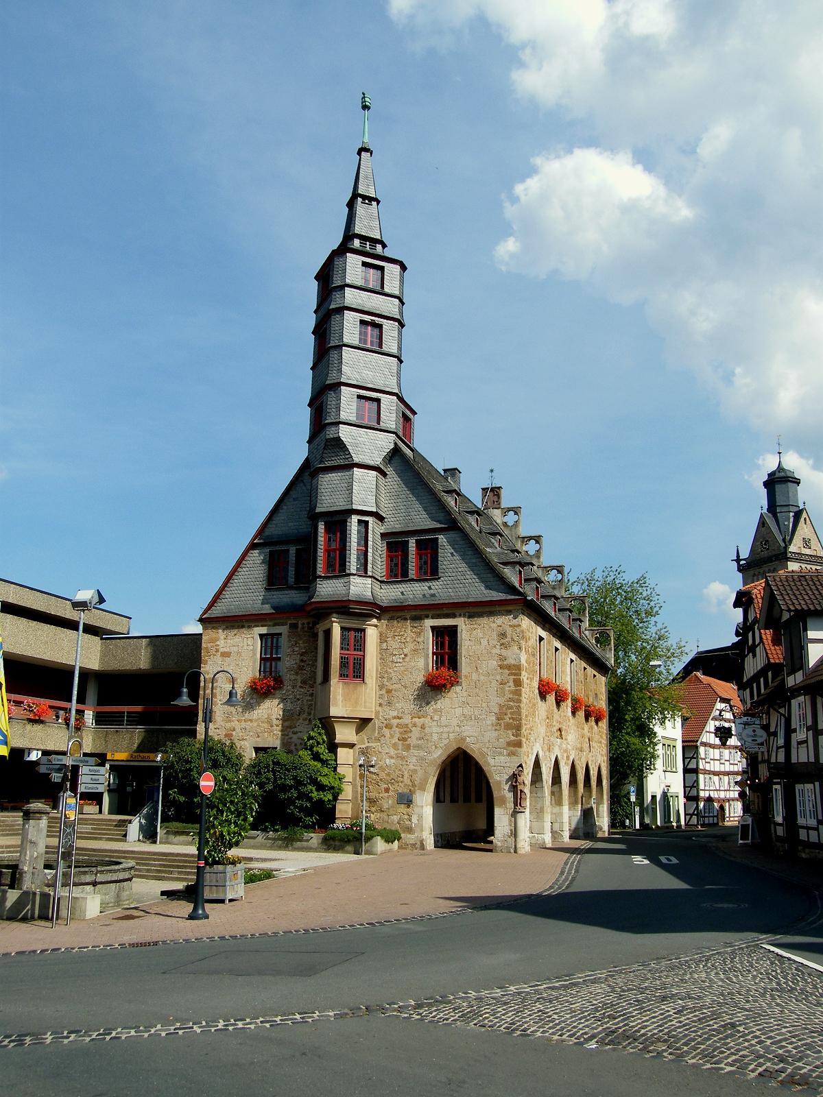 Rathaus auf der Grenze zwischen Altstadt und Neustadt (2010)