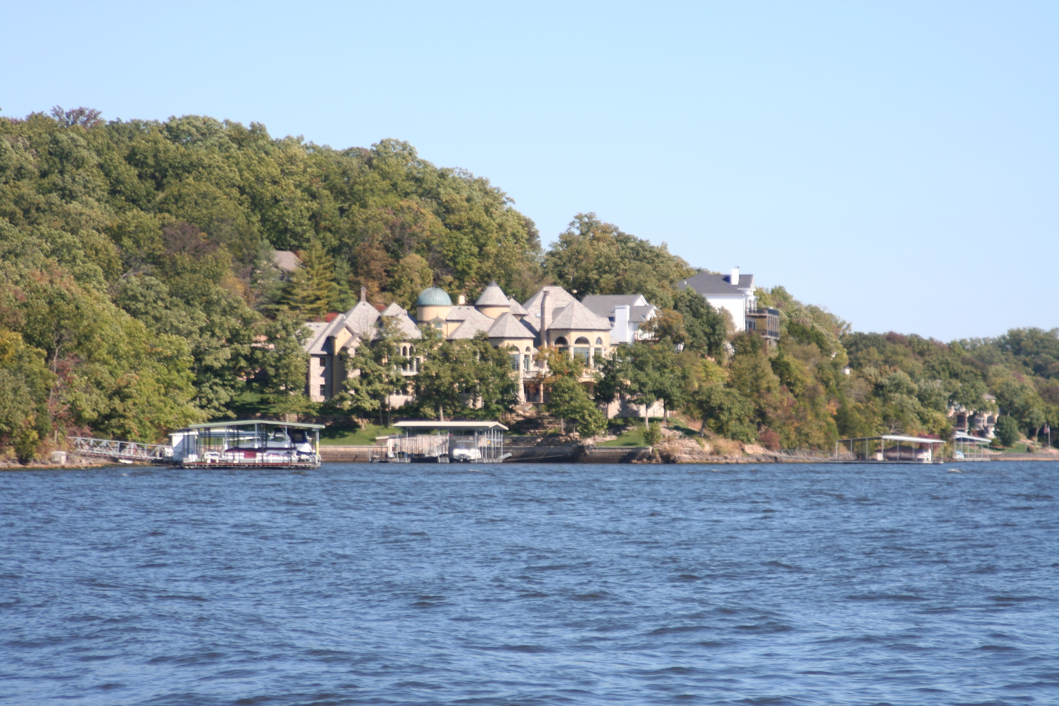 Lake Ozark Missouri >> File Lake Of The Ozarks Mo Houses 03 Jpg Wikimedia Commons