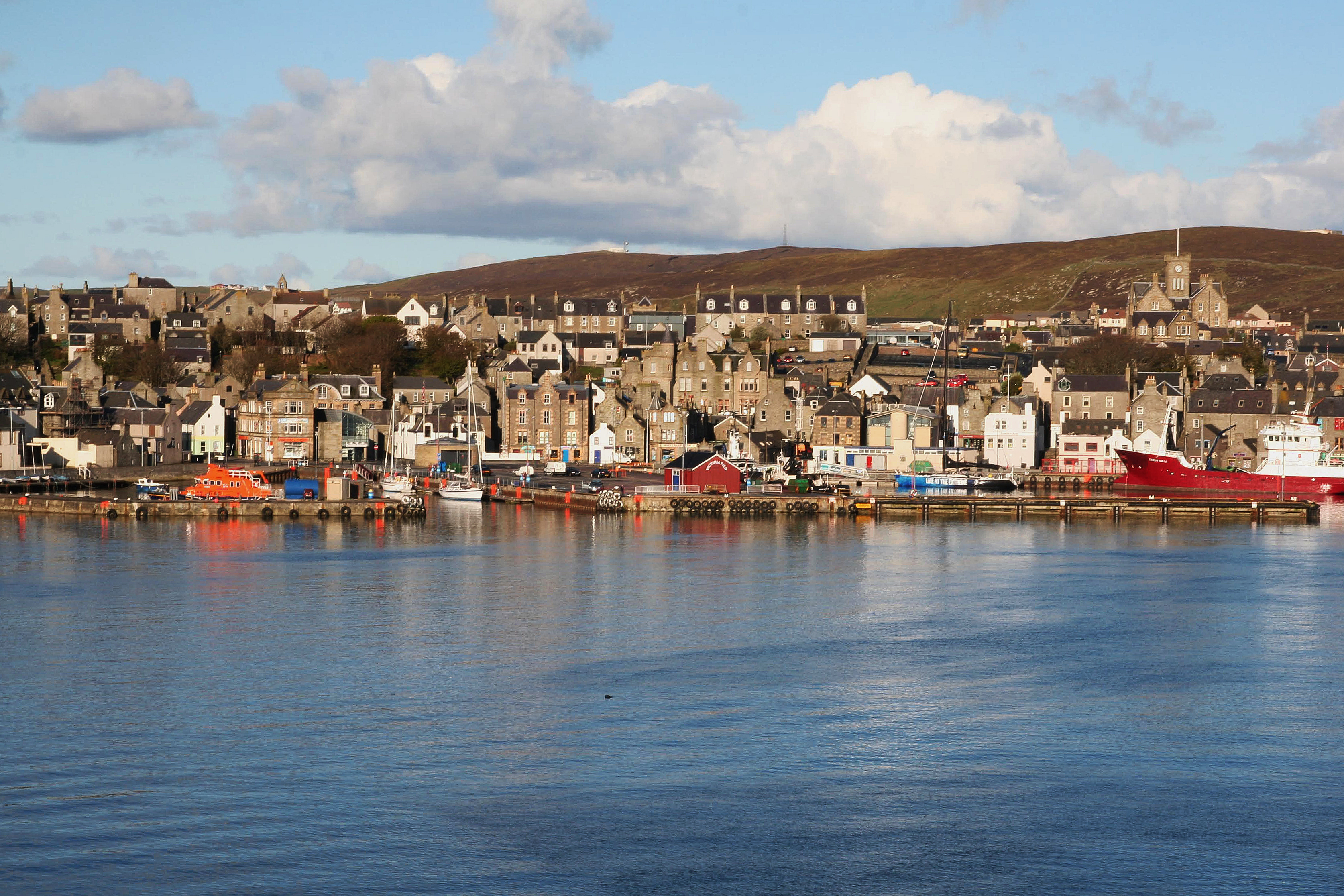 File:Lerwick, view from a ferry.jpg - Wikimedia Commons
