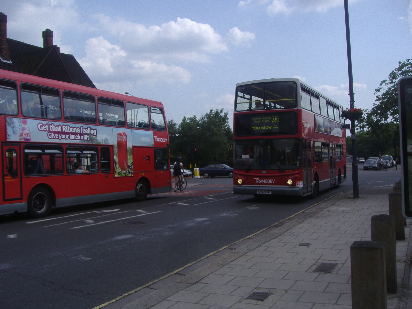 file:london buses route 281 fulwell - wikimedia commons
