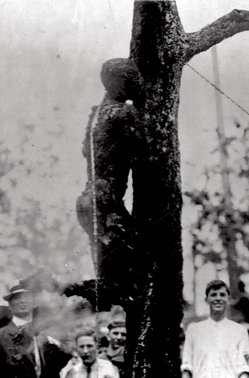 [Image: Lynching_of_Jesse_Washington%2C_1916_%28cropped%29.jpg]