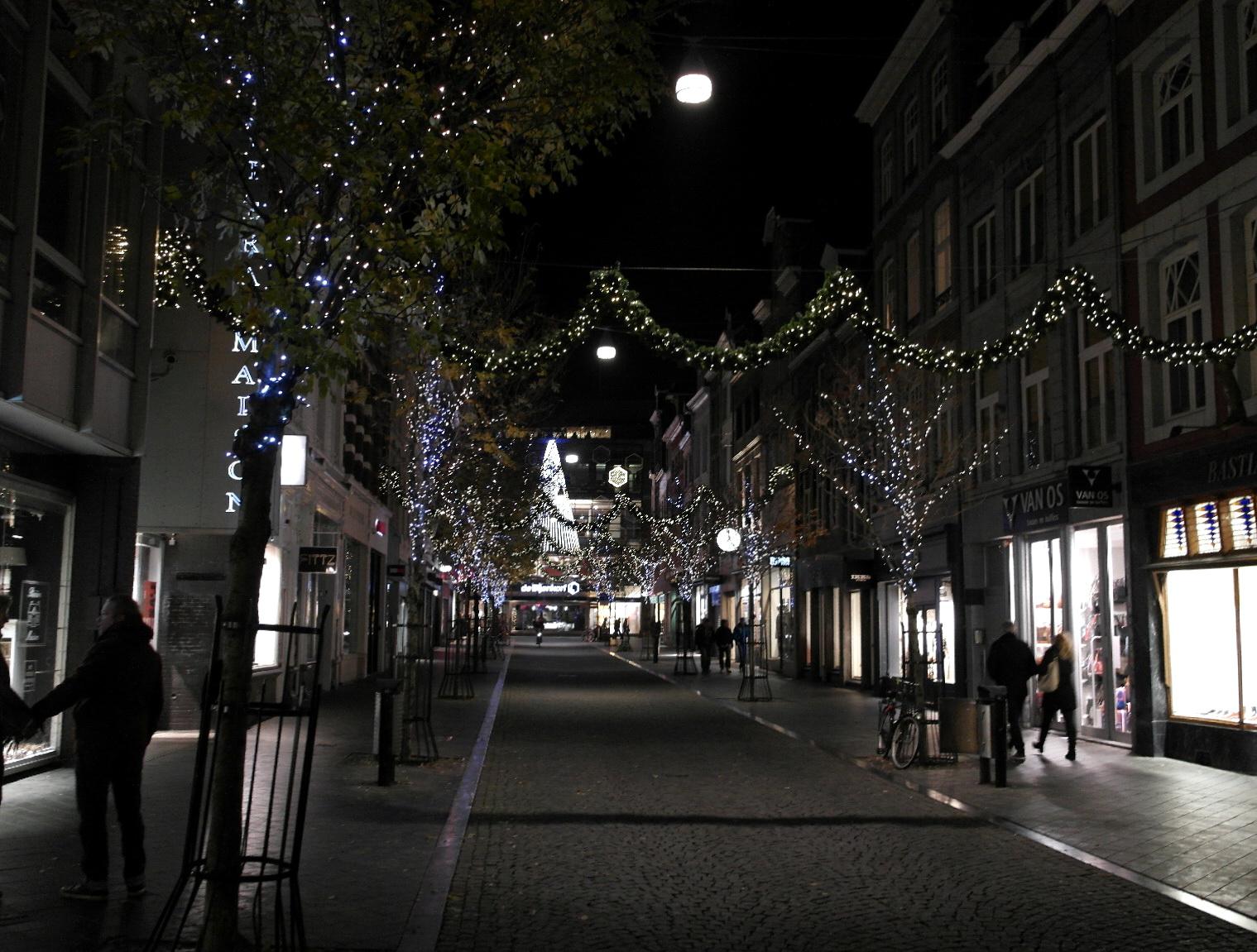 filemaastricht kerstverlichting 2014 maastrichter brugstraat01jpg