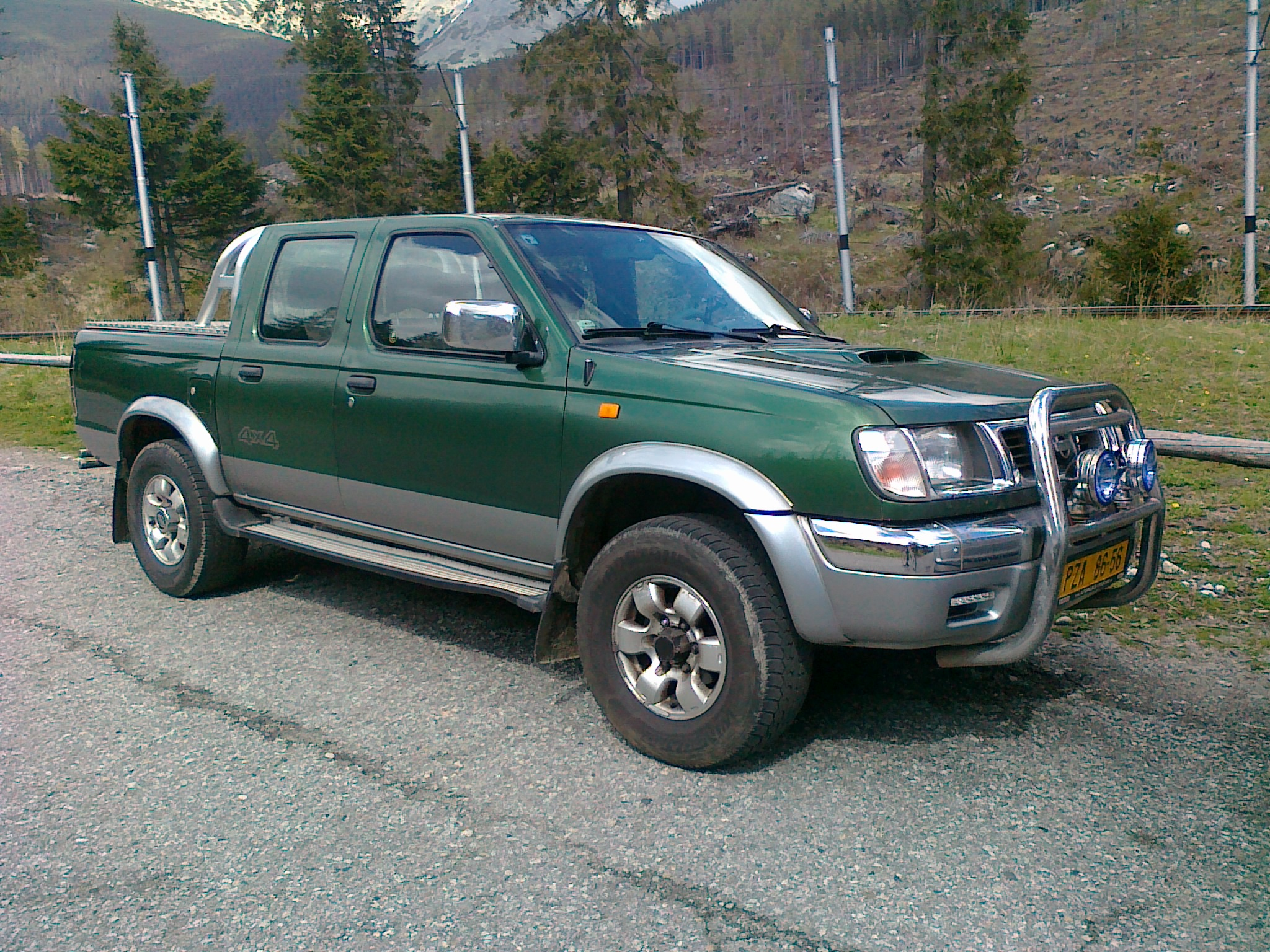 File Nissan Navara Pickup Jpg Wikimedia Commons