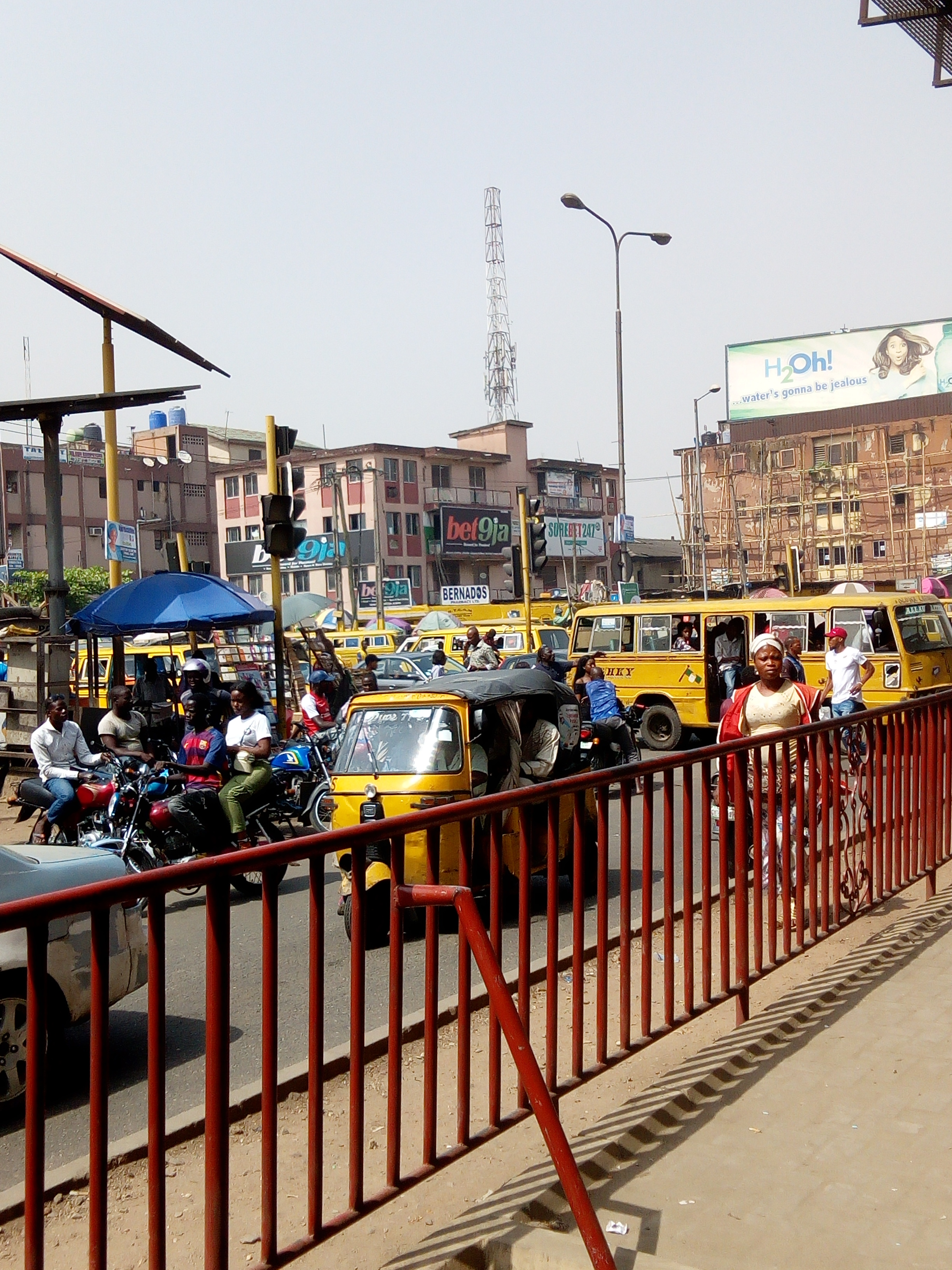File:Ojuelegba under bridge,Surulere,Lagos jpg - Wikimedia