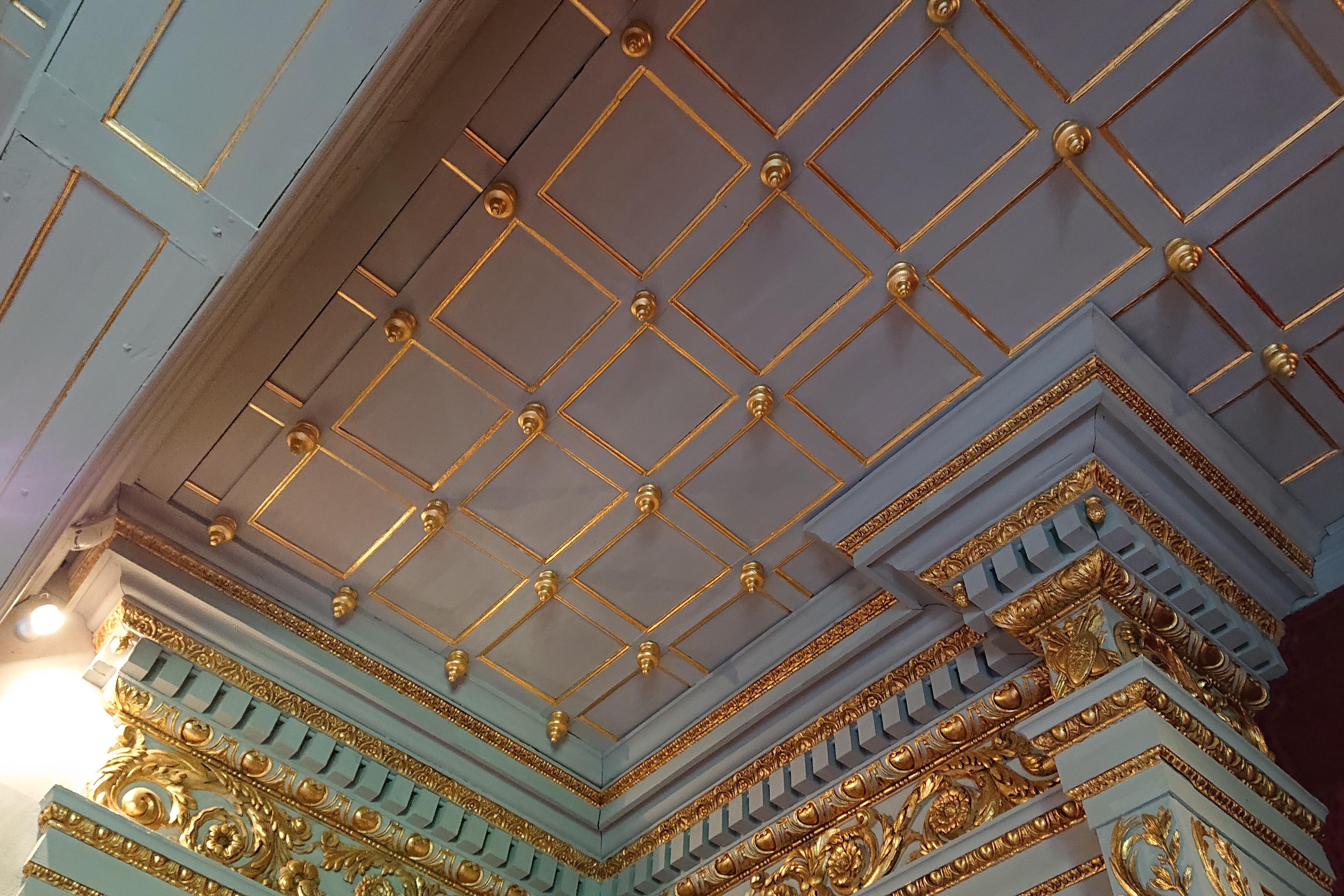fichier:plafond chambre dorée châteaubriant — wikipédia