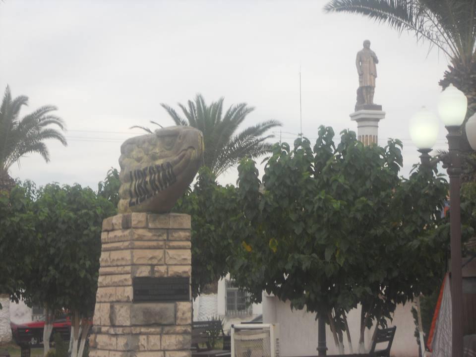 PlazaMiguelHidalgoMeoquiChihuahua.jpg