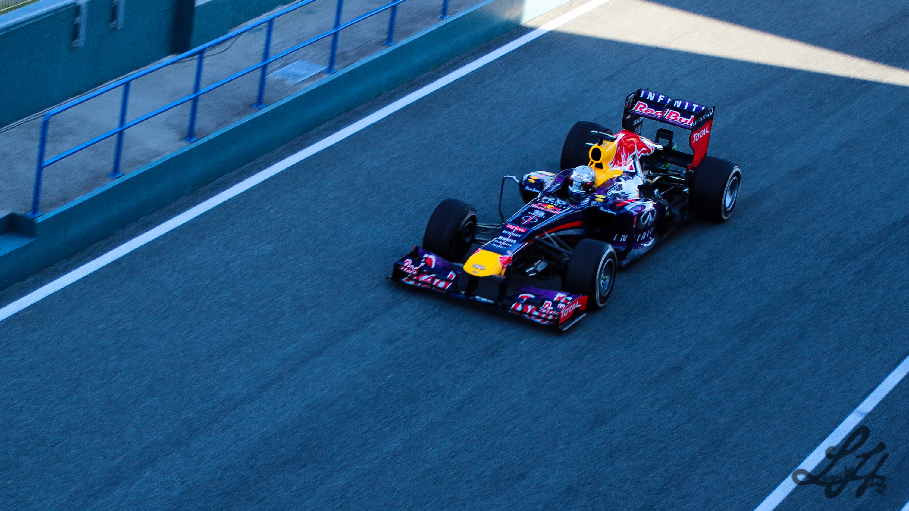 Archivored Bull Rb9 Vettel F1 Jerez 2013jpg Wikipedia