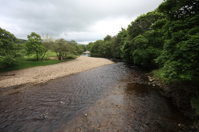 River Swale - geograph.org.uk - 1358628