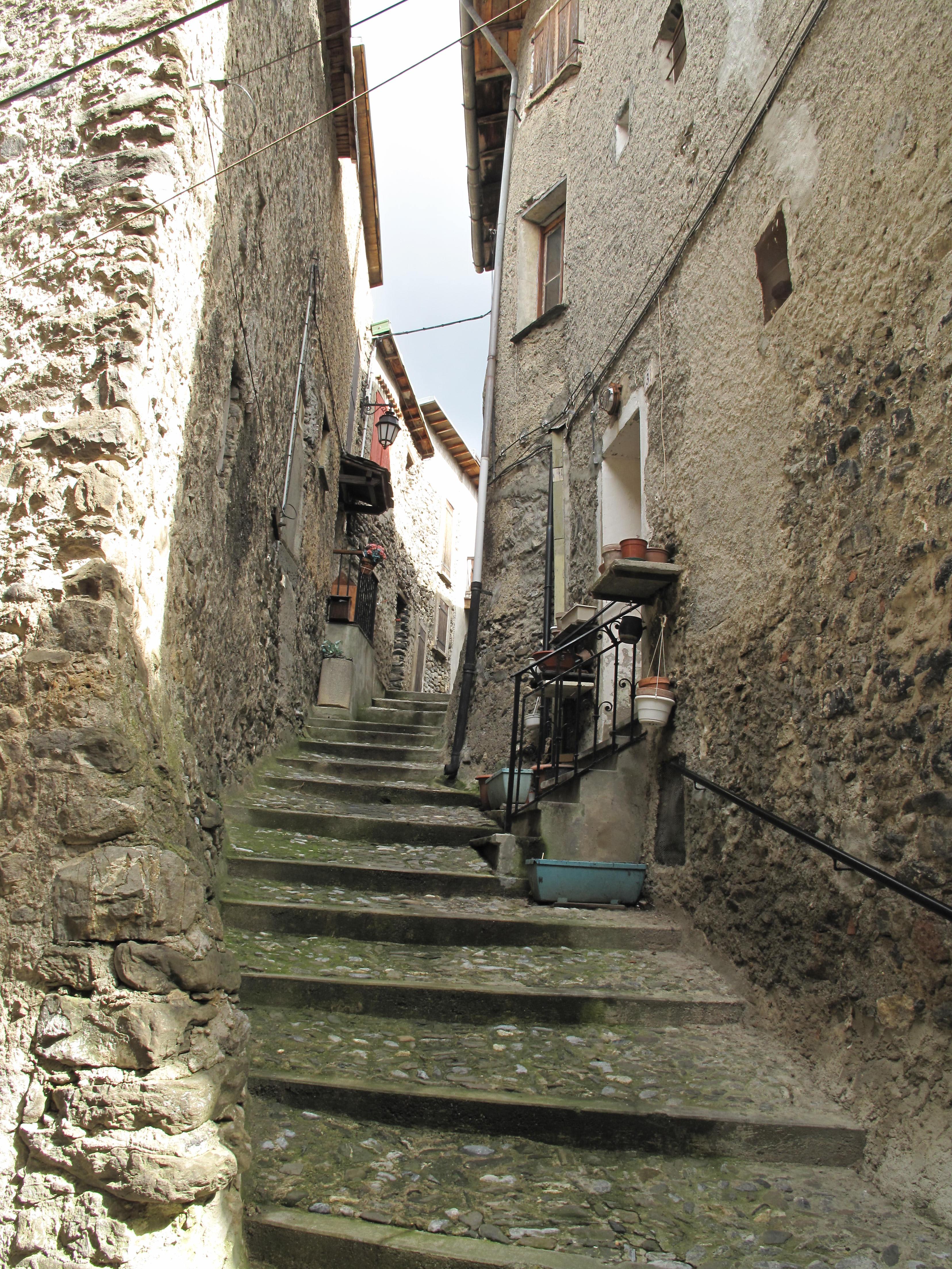 Restaurant Vieille Ruelle Pas Chere A Saint Florent En Corse