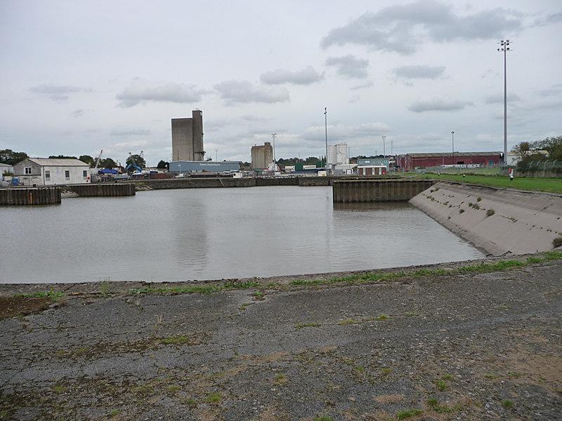 Sharpness Docks - geograph.org.uk - 1708341