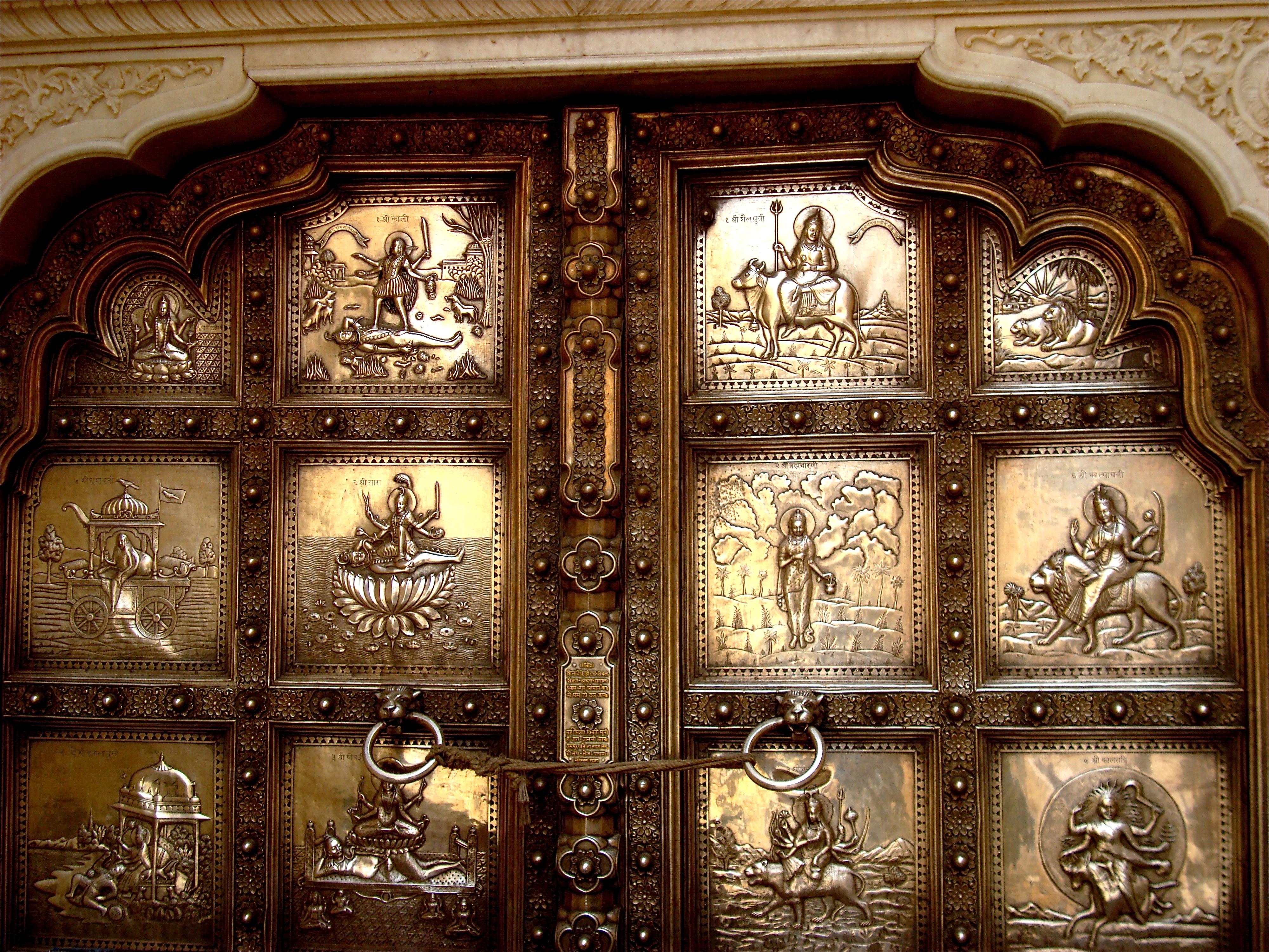 File:Silver door in Amber Fort, Rajasthan.jpg - Wikimedia ...