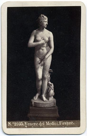 http://upload.wikimedia.org/wikipedia/commons/2/22/Sommer%2C_Giorgio_%281834-1914%29_-_n._2935_-_Venere_dei_Medici%2C_Firenze.jpg