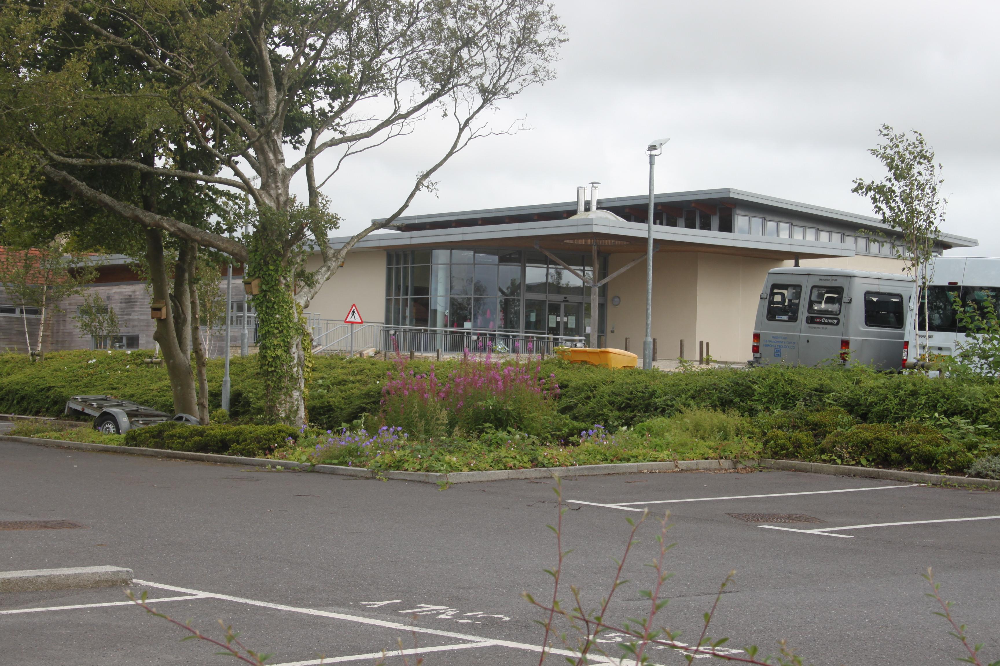 academy status located north - HD3456×2304
