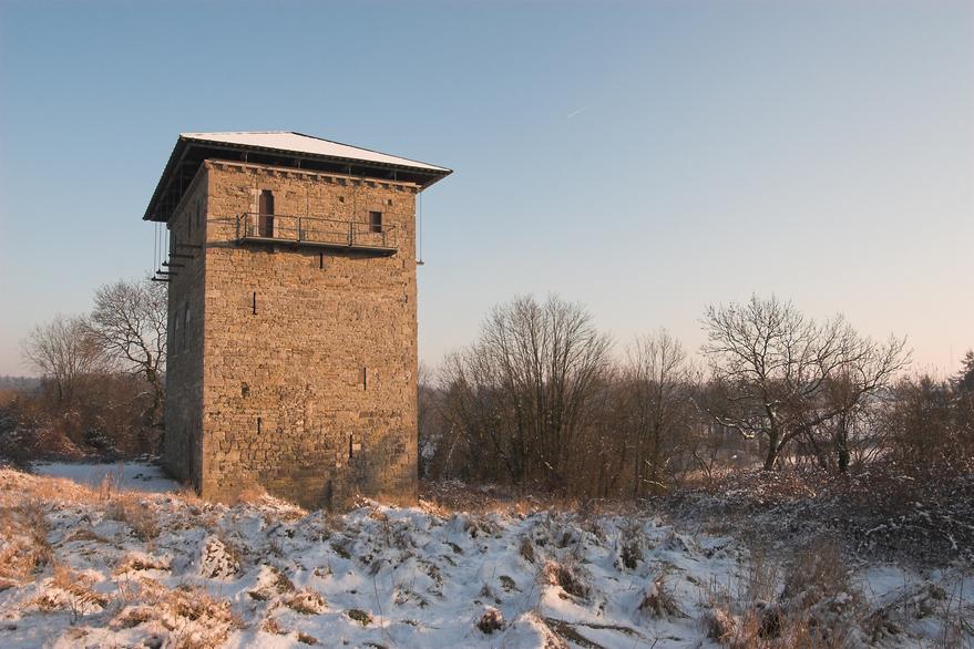 Donjon de Villeret, à Jemeppe-sur-Sambre (M) ainsi que l'ensemble formé par ce donjon et les terrains qui l'entoureent (S)