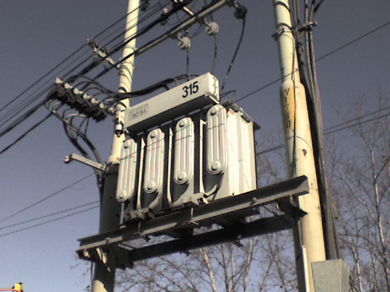 File:Transformador de PCV.JPG - Wikimedia Commons