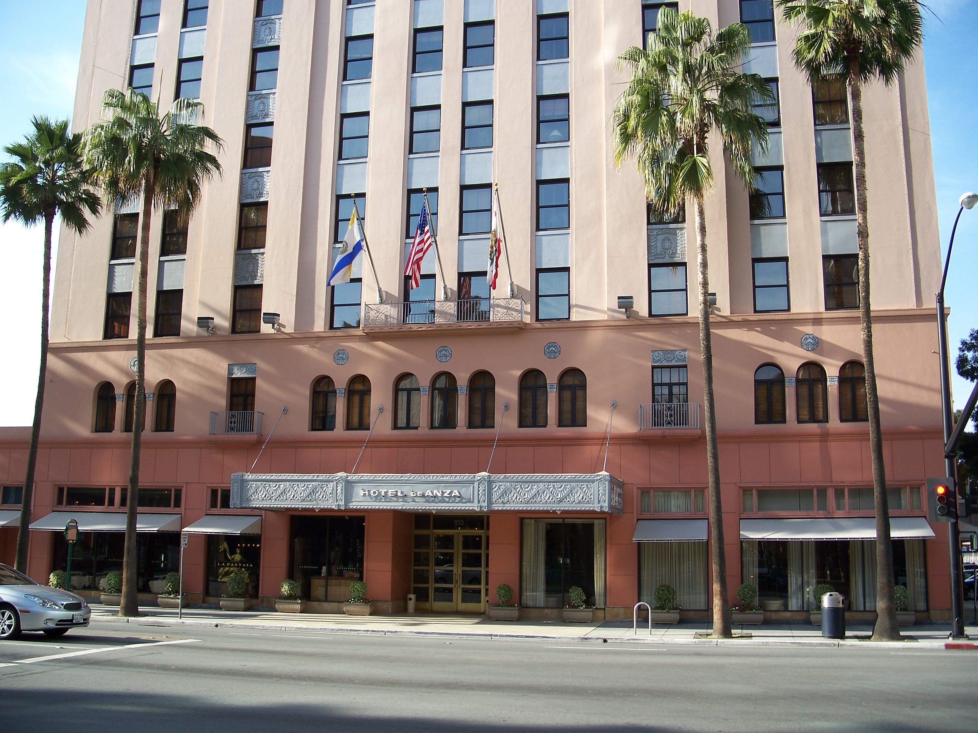 Number Of Hotel Rooms In Las Vegas